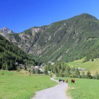 Walking towards Trient | Jac Lofts