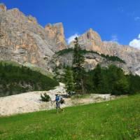 Descending to the Utia Scotoni Hut