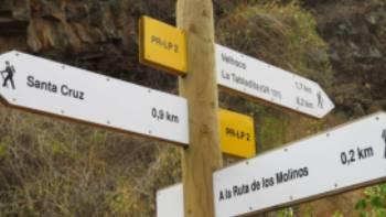 A la Palma walker's sign post   John Millen